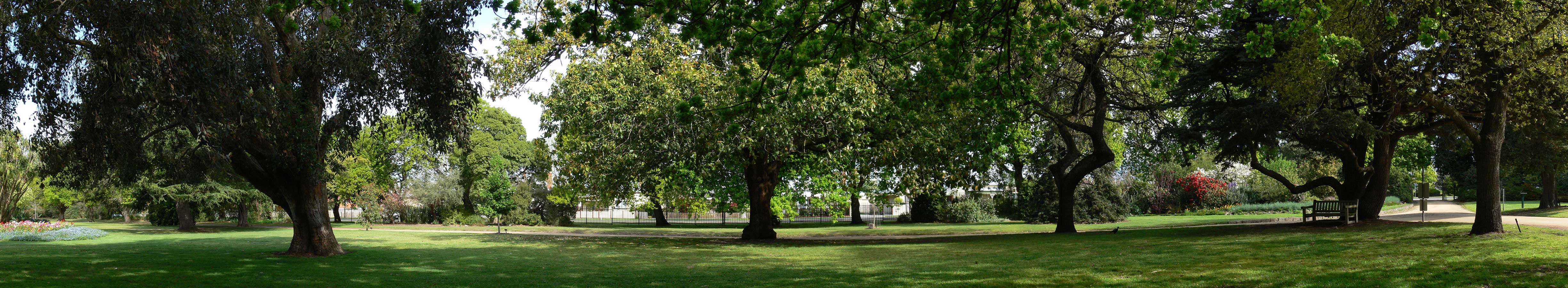 Colac botanic gardens - What time does victoria gardens open ...